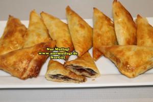 ücgen citir börek - peynirli ücgen börek - nutellali citir börek tarifi  (34)