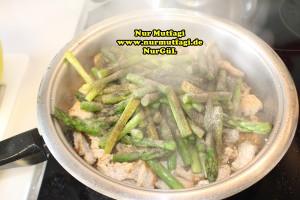 kremali kuskonmaz makarna tarifi - yesil kuskonmaz - gebratene grüne spargel rezept (14)
