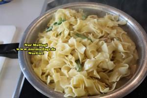 kremali kuskonmaz makarna tarifi - yesil kuskonmaz - gebratene grüne spargel rezept (19)