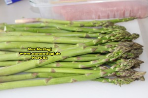 kremali kuskonmaz makarna tarifi - yesil kuskonmaz - gebratene grüne spargel rezept (4)