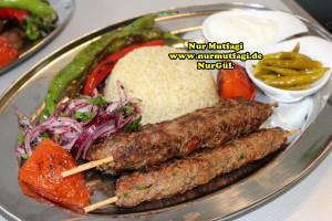 tavada sis kebab nasil yapilir tarifi (12)