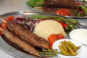 tavada sis kebab nasil yapilir tarifi (15)
