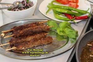 tavada sis kebab nasil yapilir tarifi (5)