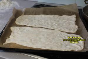 pide - tirnakli küncülü pide- Sivas Ekmegi tarifi (20)
