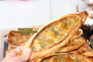 konya mevlana pidesi - küflü peynirli pide tarifi (8)