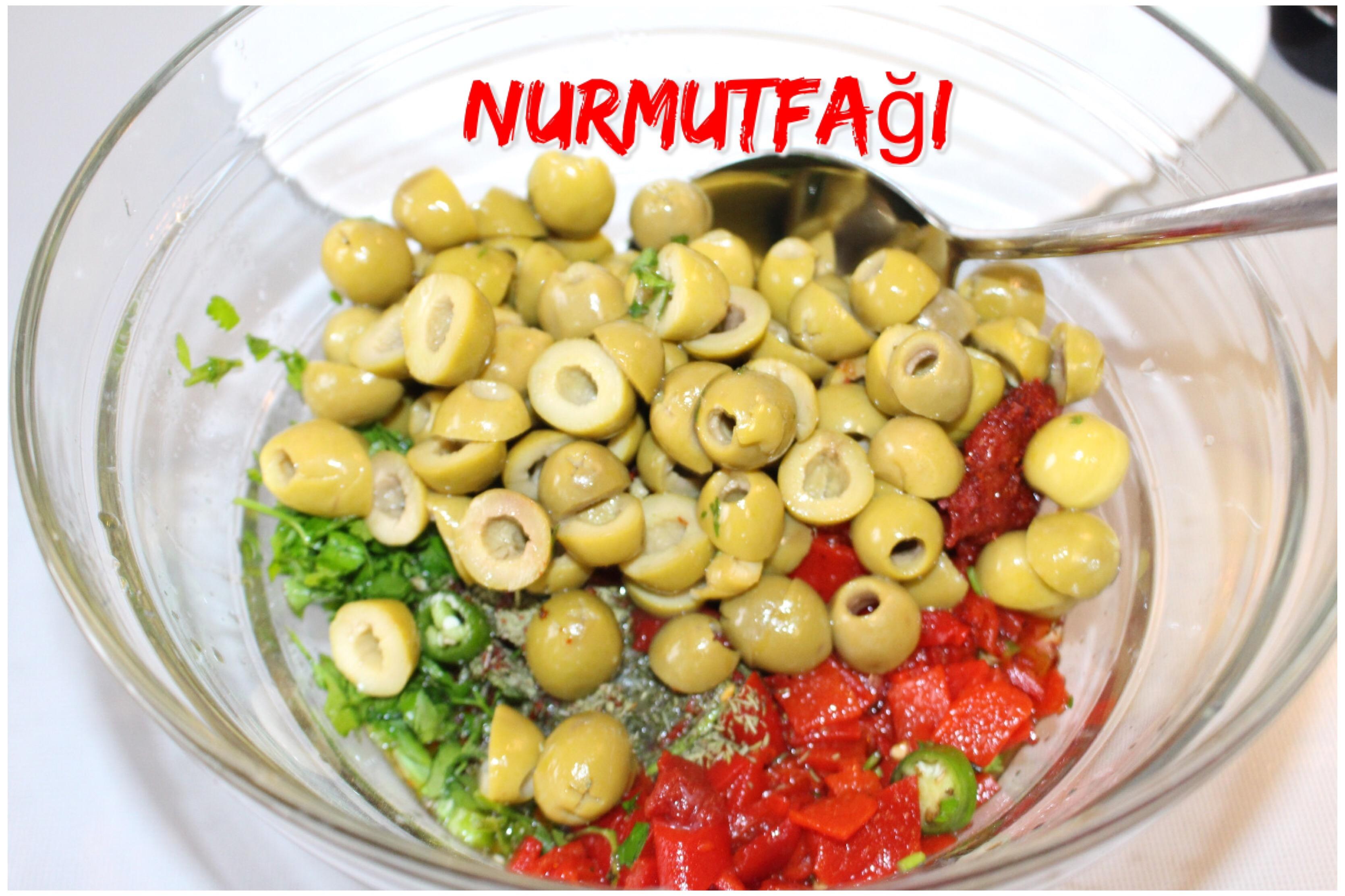 Akdeniz Yeşil Zeytin Salatası Tarifi Videosu