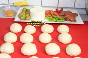 k-cicek pogaca, gül pogaca, pizza pogaca, karniyarik pogaca, bir hamurdan 6 cesit pogaca tarifi (2)