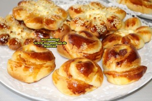k-cicek pogaca, gül pogaca, pizza pogaca, karniyarik pogaca, bir hamurdan 6 cesit pogaca tarifi (55)