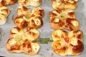k-cicek pogaca, gül pogaca, pizza pogaca, karniyarik pogaca, bir hamurdan 6 cesit pogaca tarifi (65)