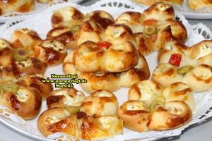 k-cicek pogaca, gül pogaca, pizza pogaca, karniyarik pogaca, bir hamurdan 6 cesit pogaca tarifi (69)