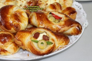 k-cicek pogaca, gül pogaca, pizza pogaca, karniyarik pogaca, bir hamurdan 6 cesit pogaca tarifi (70)