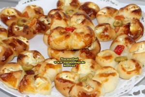 k-cicek pogaca, gül pogaca, pizza pogaca, karniyarik pogaca, bir hamurdan 6 cesit pogaca tarifi (73)