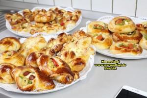 k-cicek pogaca, gül pogaca, pizza pogaca, karniyarik pogaca, bir hamurdan 6 cesit pogaca tarifi (74)