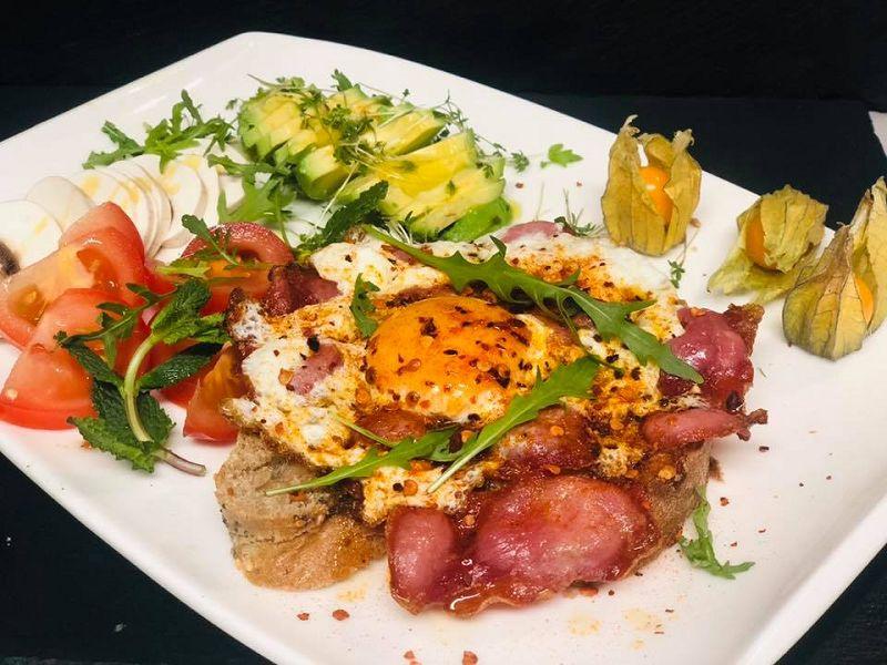 sandvic avokadolu fümeli enfes sunumlarla ekmek arasi sandvic tarifi, bomba ikili kahvalti alternatifi (14)