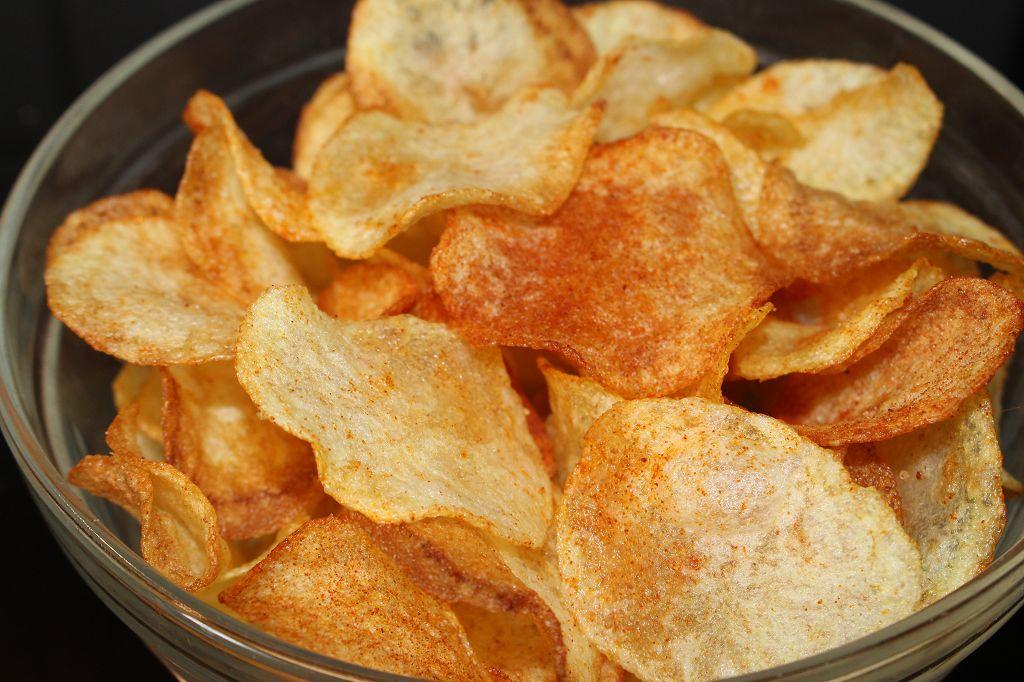 evde chips tarifi, citir chips nasil yapilir, biberli chips tarifi (18)